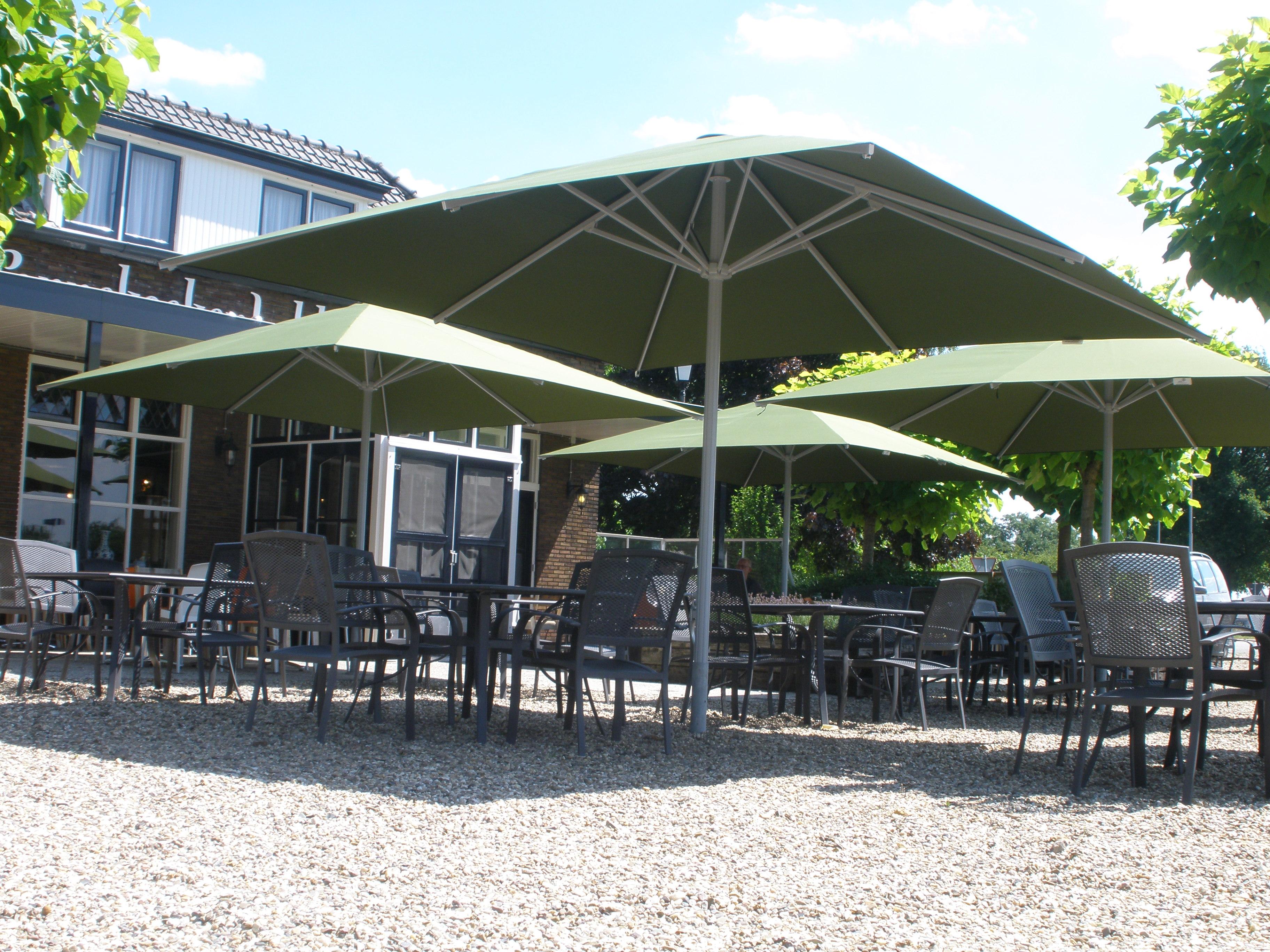 Jochems zonwering parasols jochems zonwering - Terras en tuin ontwikkeling foto ...